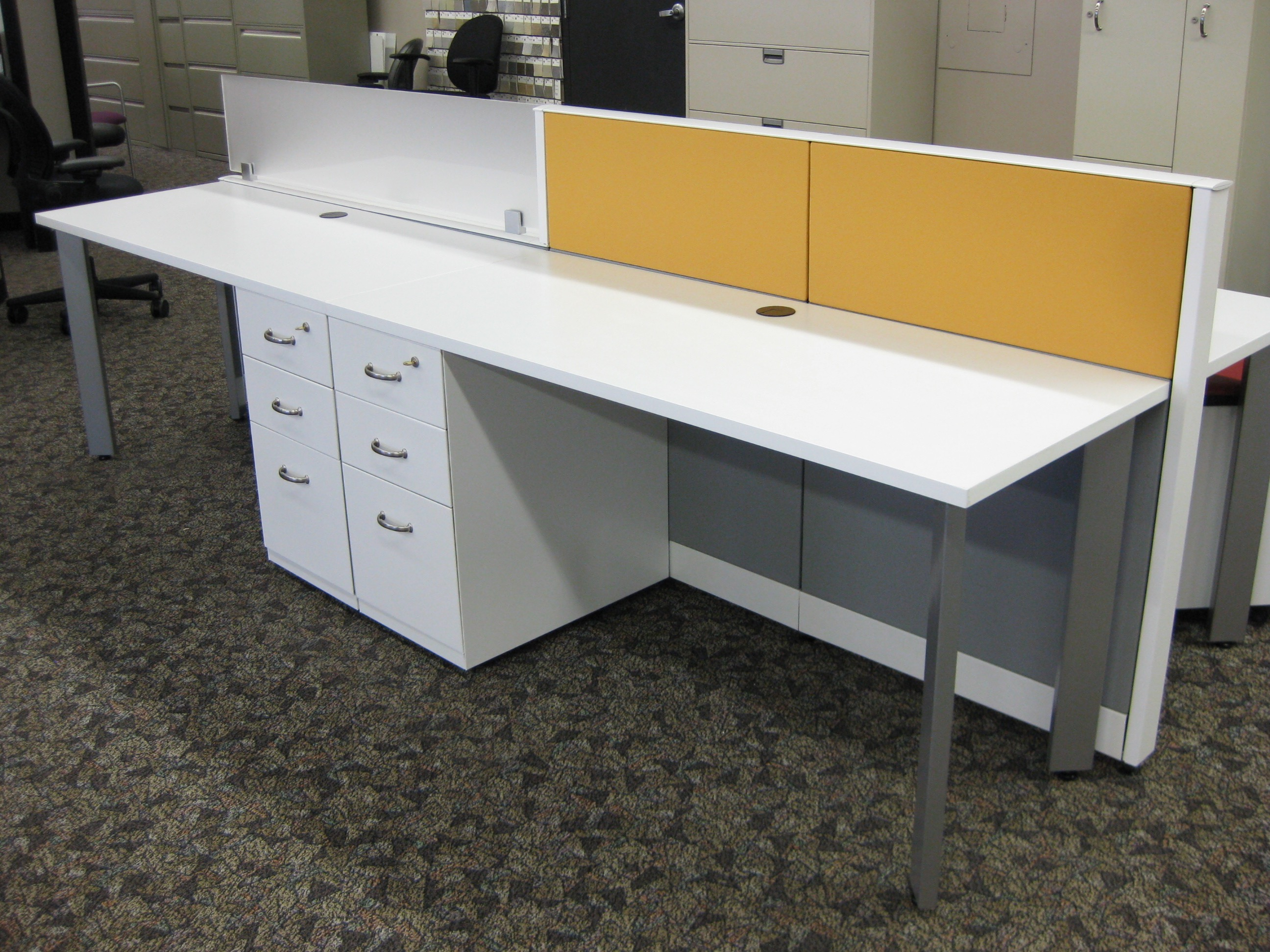 Benching Station with Fixed 3 Drawer Pedestal Files