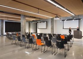 UC 1819 Innovation Hub classroom
