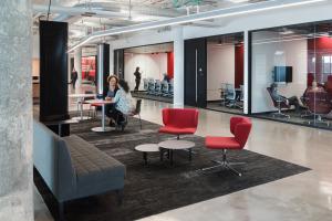 UC 1819 Innovation Hub lounge